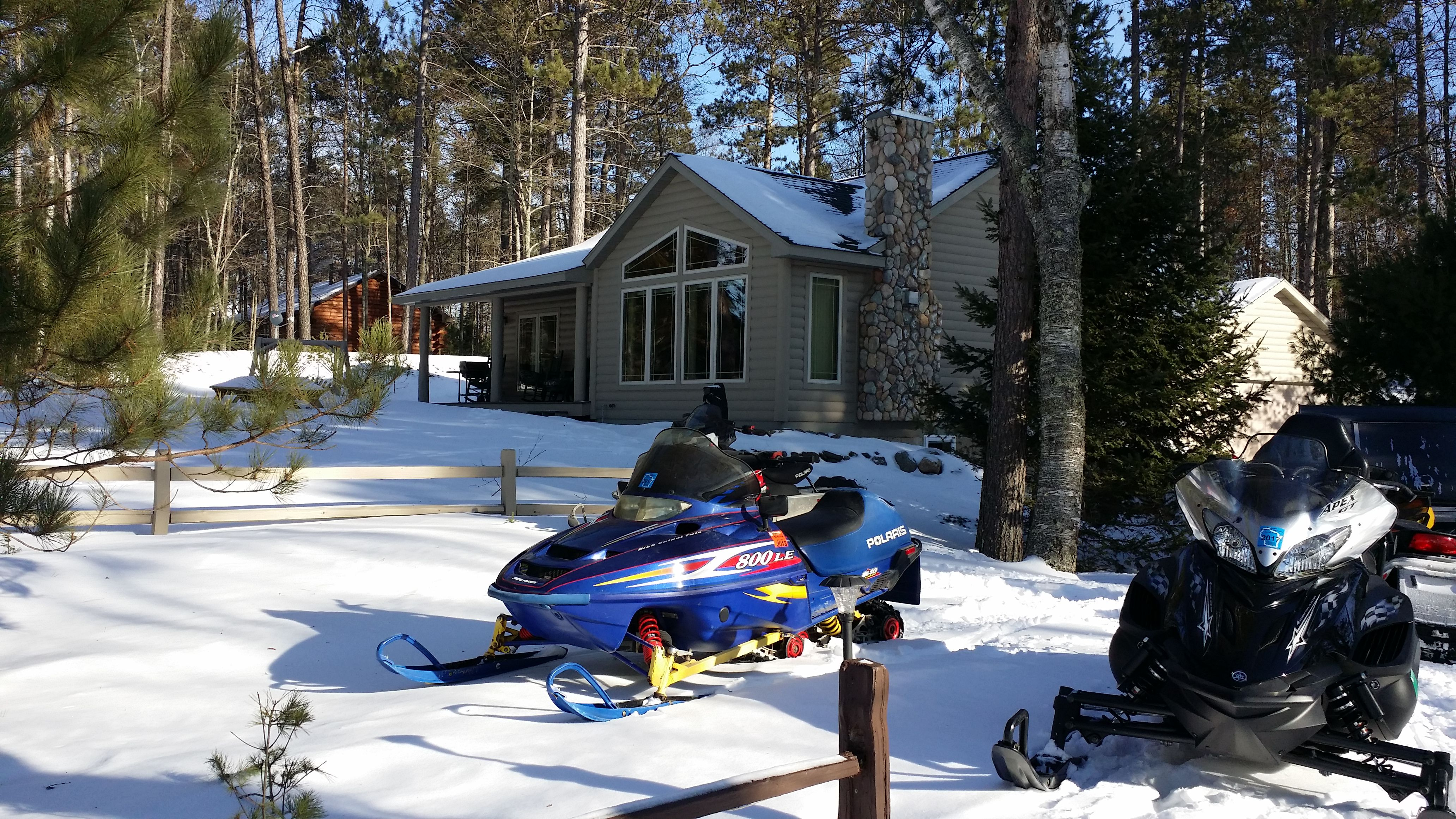 Winter friendly! Plenty of parking for sleds, trucks & trailers
